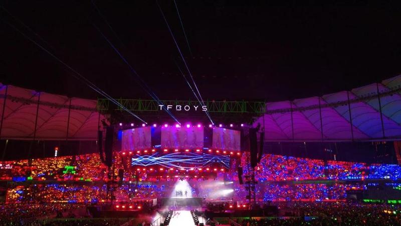 舞台灯光演唱会2.jpg