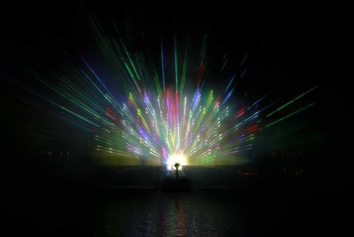 水、光、音樂和激光 大型水秀設計 Design of water, light, music and laser show