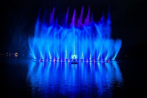 水、光、音乐和激光 大型水秀設計 Design of water, light, music and laser show